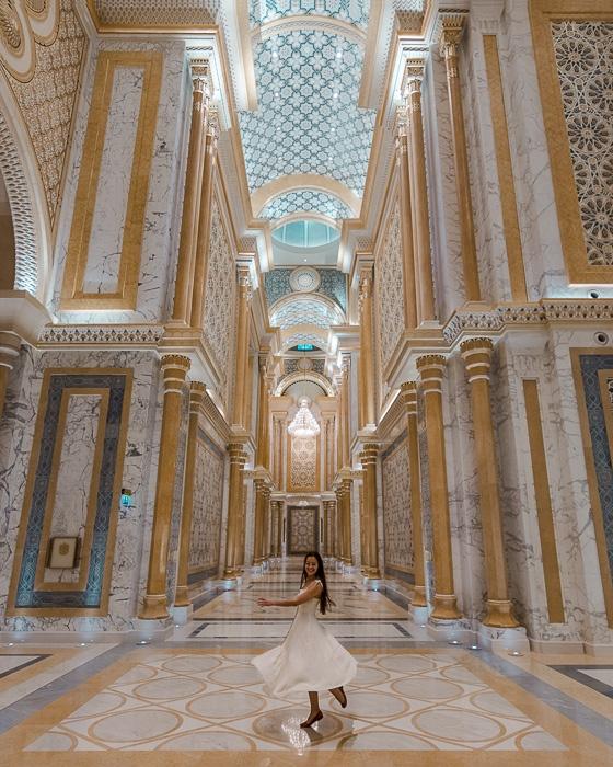 Abu Dhabi Qsar al Watan by Dancing the Earth