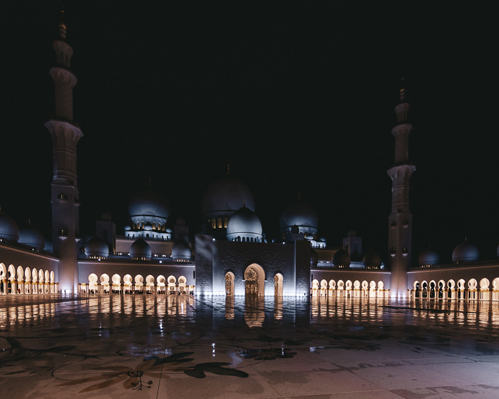 Abu Dhabi Sheikh Zayed grand mosque inner courtyard by Dancing the Earth