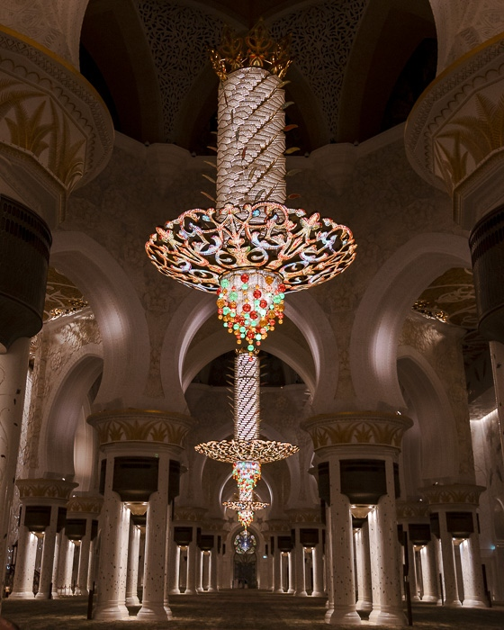 Abu Dhabi Sheikh Zayed grand mosque inside the mosque by Dancing the Earth