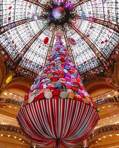 Christmas in Paris galeries lafayette christmas tree 2017 by Dancing the Earth