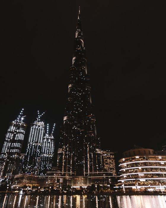 Dubai Burj lake by Dancing the Earth