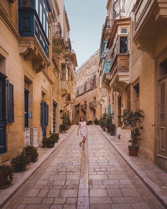 Malta travel guide street of Vittoriosa by Dancing the Earth