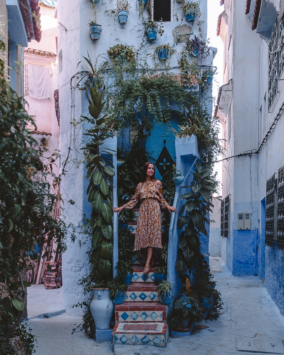 Morocco travel guide Chefchaouen narrow house by Dancing the Earth