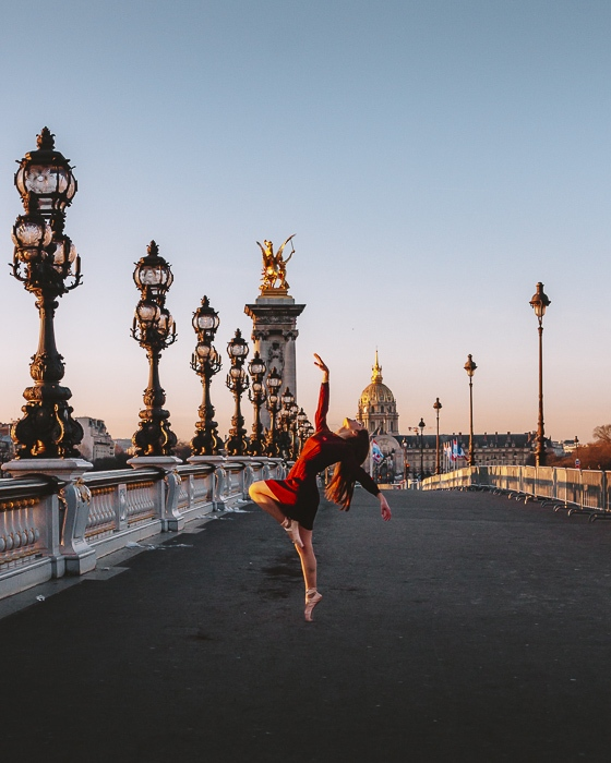 Pont Alexandre 3 by Dancing the Earth