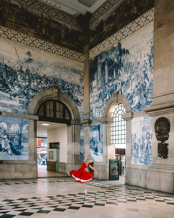 Porto weekend itinerary Sao Bento station by Dancing the Earth