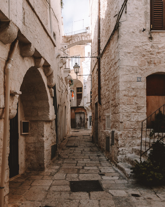 Cisternino street, Puglia travel guide by Dancing the Earth