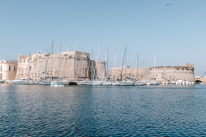 Sailboats in front of the fortress, Gallipoli