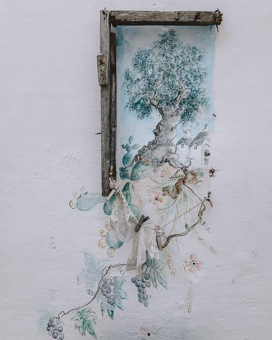 Locorotondo's wall drawing