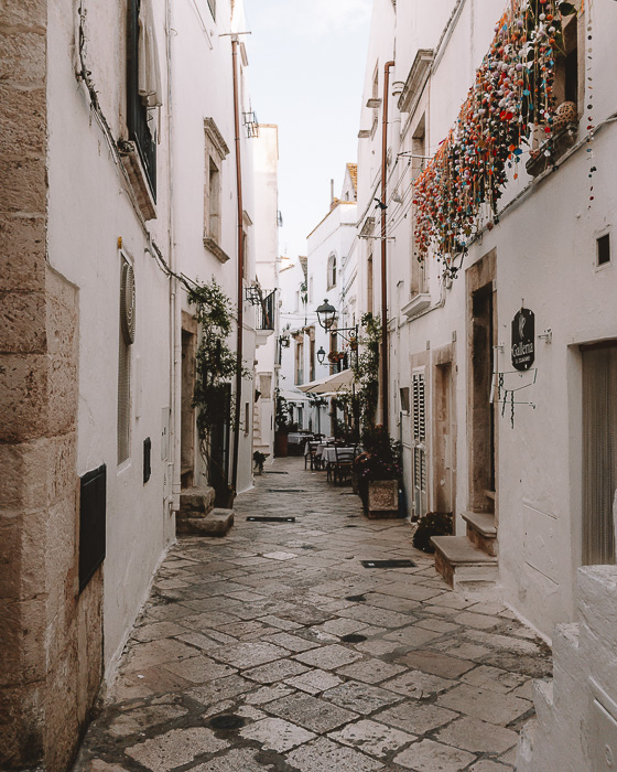 Street of Locorotondo, Puglia travel guide by Dancing the Earth