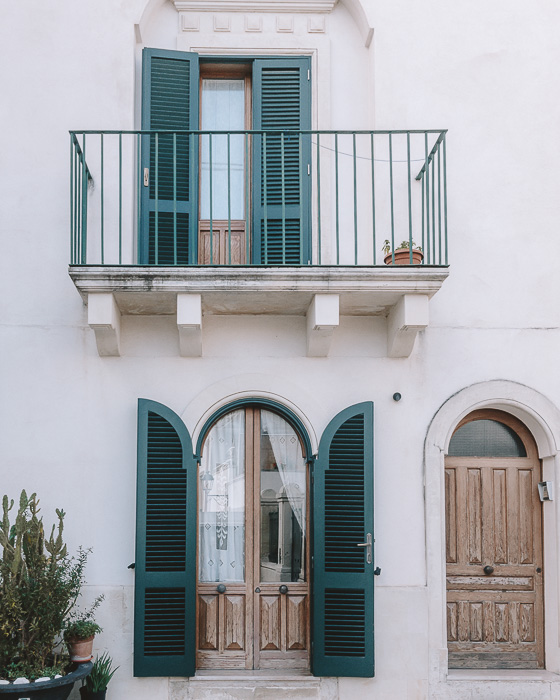 Windows and door of Otranto, Puglia travel guide by Dancing the Earth
