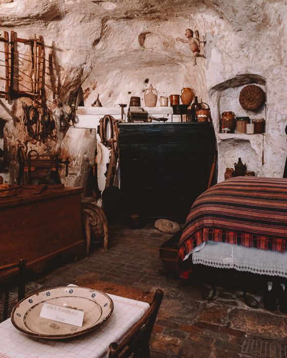 Casa Grotta, bedroom, Matera