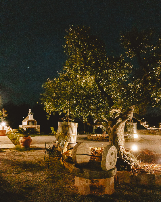 Trulli Caroli's garden by night